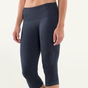 Lululemon Navy Ebb to Street Crop 21""